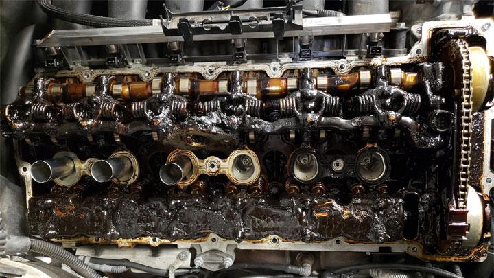 lodo de aceite de motor